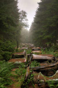 chatillon-car-graveyard-abandoned-cars-cemetery-belgium-4
